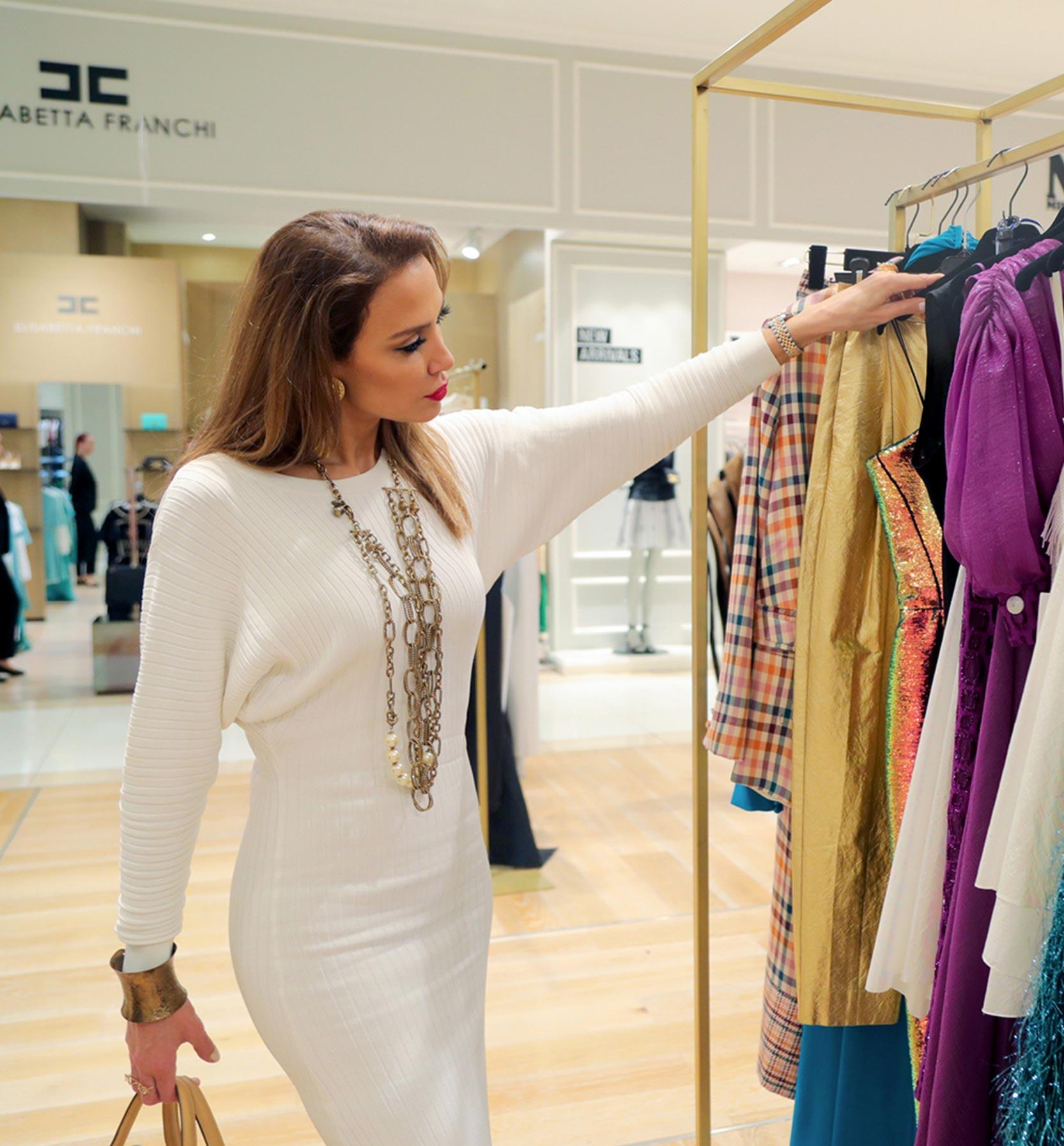 personal shopper training dubai mall